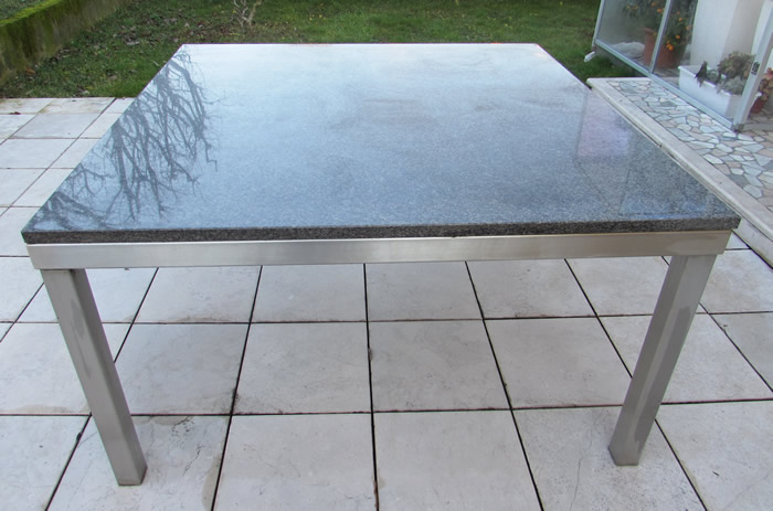 Tavoli Di Marmo Da Giardino : Tavolo quadrato per esterno con piano in marmo idfdesign
